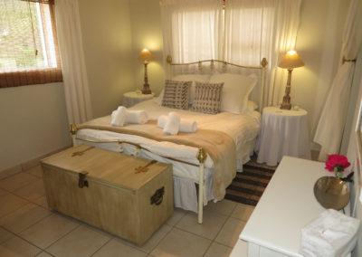 Cottage 5 - Main Bedroom